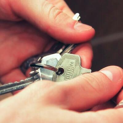 servicios profesionales conserjes para comunidades de propietarios llaves vecindia - Conserjes para comunidades de propietarios